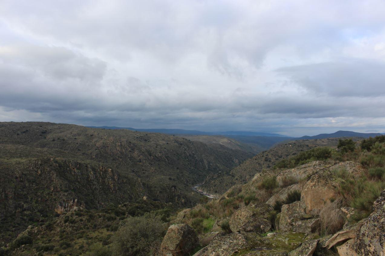 Vista do Pombal da Bicha para o Vale do Rio Côa Foto: ATN